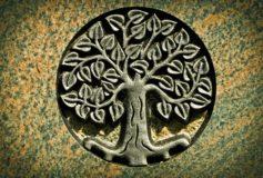 ARTHUS : Que symbolise le pendentif arbre de vie ?